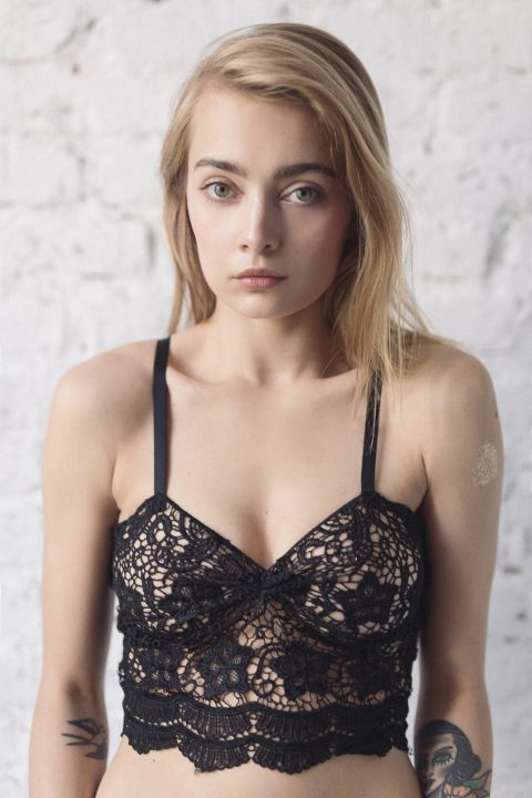 SHOW OFF YOUR BRA od Charlotte Rouge