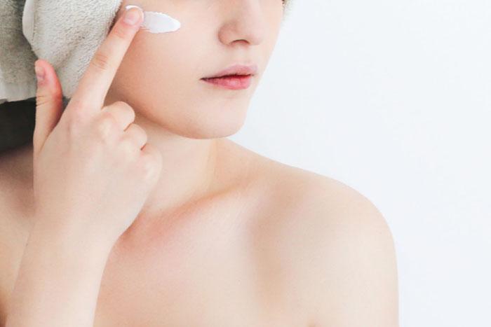 Czym pielęgnować podrażnioną skórę?