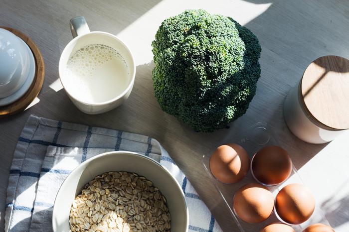 dieta, brokuł, jajka, mleko