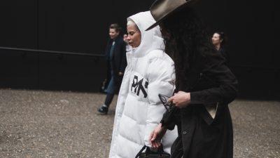 London Fashion Week 2017 – Day 2 – Alexa Chung, Veronika Heilbrunner orazinne