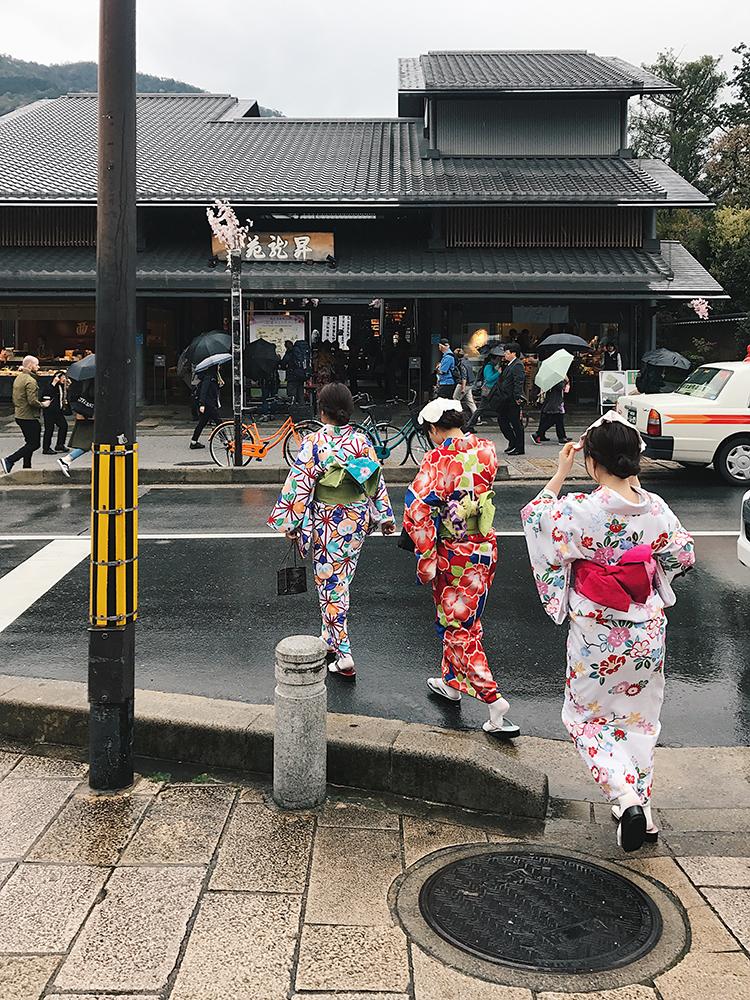 Podróże z Indią - Japonia pełna kontrastów