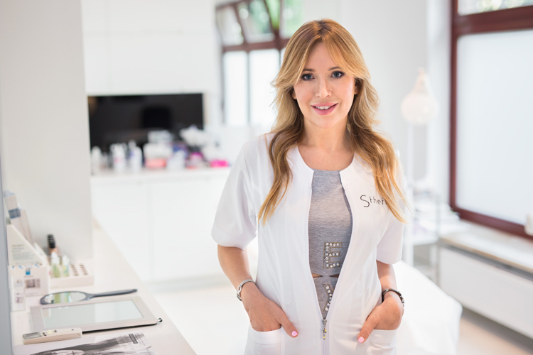 dr Aleksandra Jagielska ze Sthetic Klinika dr Jagielskiej