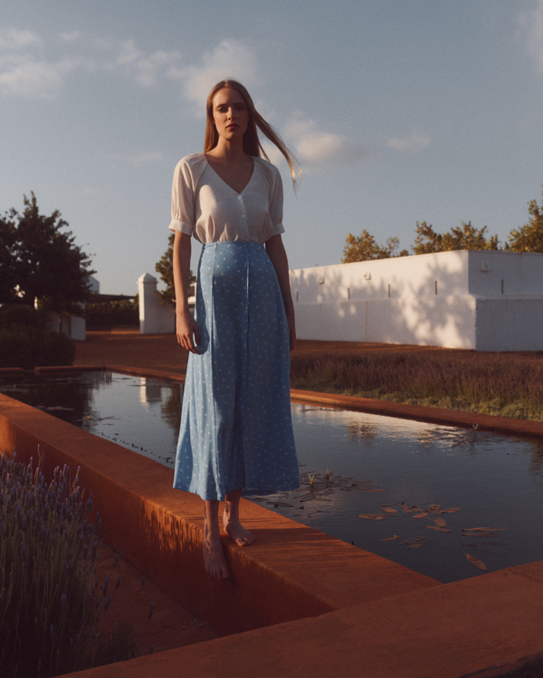 Nowa kolekcja EDITED Summer Dreaming, długa spódnica, biały top