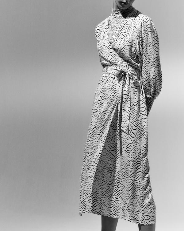 Nowa kolekcja EDITED, ubrania Edited, modne ubrania na jesień, sukienka Edited, długa sukienka na jesień