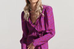 Kolekcja na sezon SS 2020 polskiej marki Affair założonej przez Aleksandrę Dubińską i Martę Kudła to zwiewne i sensualne sukienki midi, eksponujące dekolt topy i tuniki, kobiece sukienki, a także oversize'owe marynarki i kurtki.
