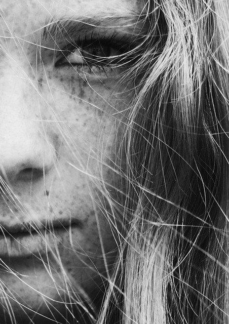 Czy masaż twarzy może zastąpić stosowanie wypełniaczy?