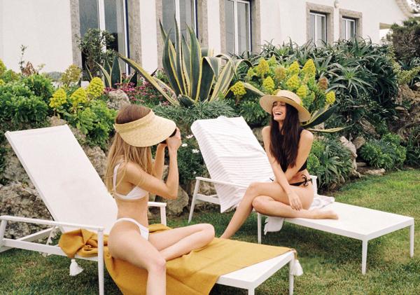Letni powiew morskiej bryzy i kapelusze - Paris + Hendzel ColaresLetni powiew morskiej bryzy i kapelusze - Paris + Hendzel Colares
