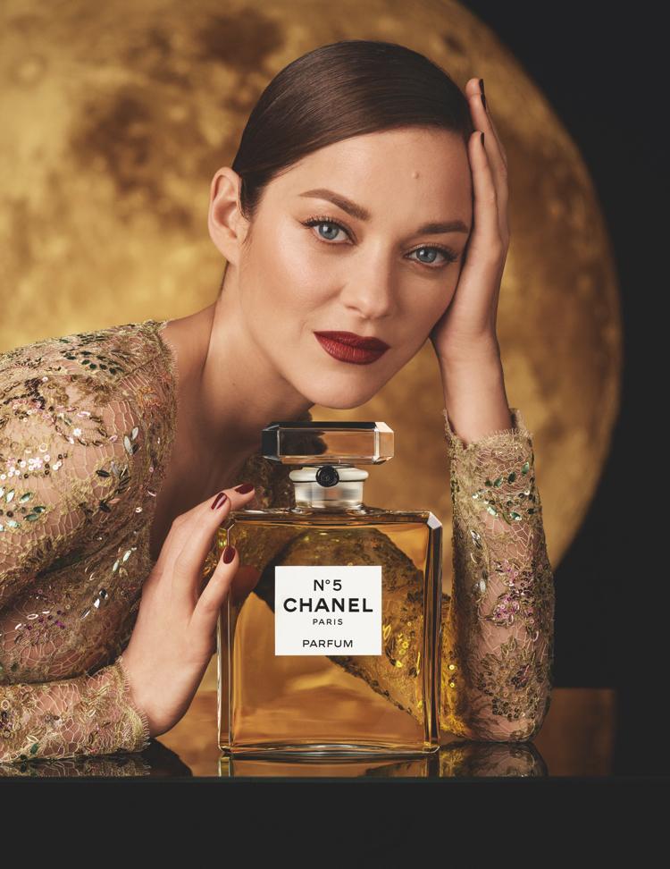 Z Paryża na Księżyc -Chanel N°5