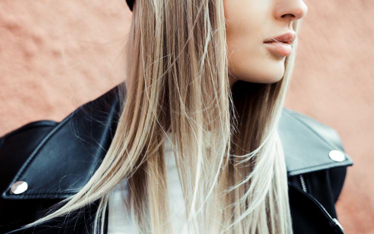 Szczotkowanie włosów - czy zagęszcza włosy?