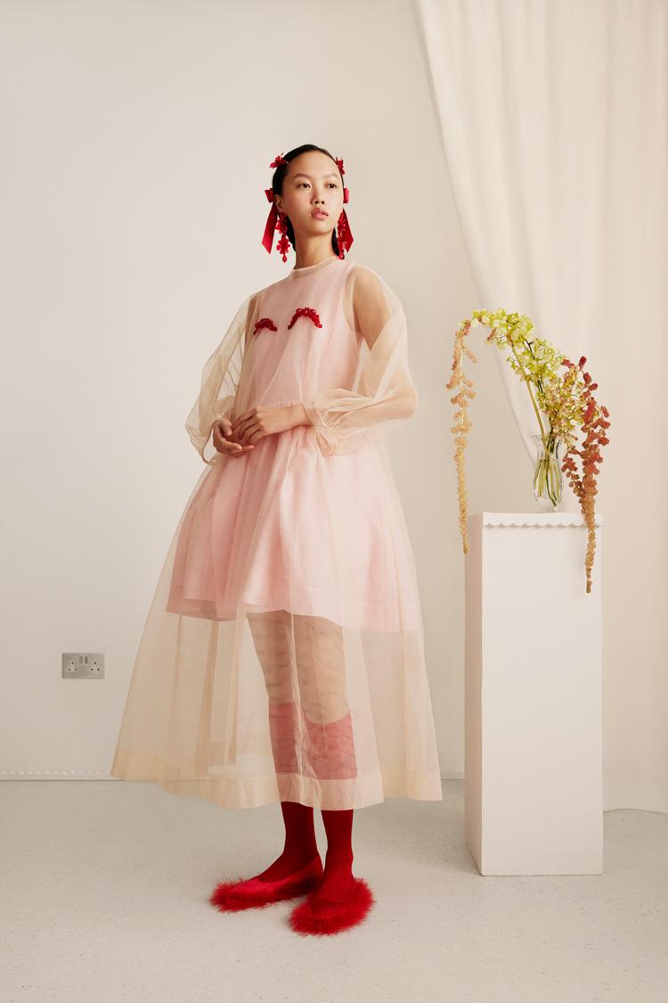 Najnowsza kolaboracja marki H&M z domem mody Simone Rocha